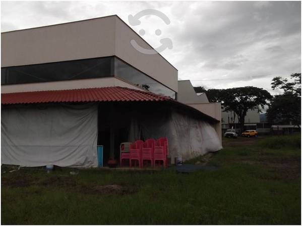 Amplio Local Comercial En Coatepec